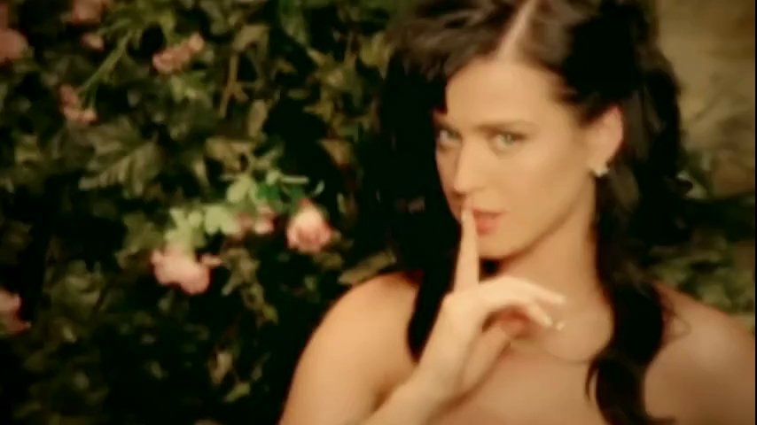 kissed-a-girl-katy-perry-video