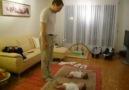 İkiz bebekler Oynuyorlar =)
