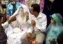Karısını dövmeye düğünde başLadı :P