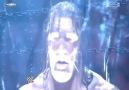 Triple H Korkunç Gülümseme..! [WWE 2010] [HQ]