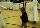 Küçük zenci'den dans şov!