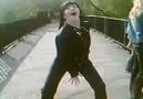 Dans ederken pantolon yırtılırsa? Videonun devamı için so...