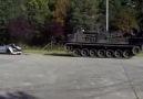 Leopard Berg Panzer tankı arabayı düz ediyo:)