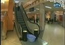 Yürüyen merdivenin önüne su bırakılırsa ne olur  ?  İZ...
