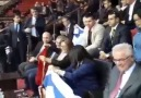 Akpartili belediye başkanı fatma şahin israil bayrağı sallıyor