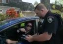 Ali Bulut - super polis eller işaret yap