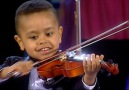 Andr Rieu - 3 year old Akim playing the violin