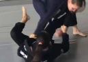 Arm Lock partindo da guarda laçada... - Jiu-Jitsu Lifestyle