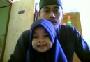 Babasıyla Kuran Okuyan Küçük Kız..MaşALLAH Demeyi unutmayalım..