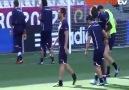 Balotelli iş başında :)