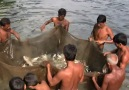 Bangladeşli Müslümanlardan Balık Avlarken İnsanlık Dersi