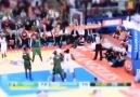 Blake Griffin's MASSIVE dunk!