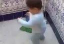 Bu çocuk ne içtiyse :))