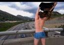 Bu kazalar adamı güldürür :)