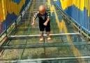 Bu köprüde.. Bende istiyorum ....Yürümek.!