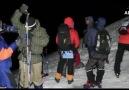 Büyük Çerkes Bayrağı Elbruz Üzerine Yükseltilir