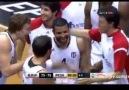 Chris Lofton orta sahadan attığı basket - Beşiktaş İF-Pınar Karşı