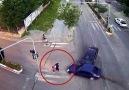 Demirören Haber Ajansı - Anne ve kızını ölümden trafik kazası kurtardı