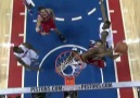 Derrick Rose double clutch Lay-up !