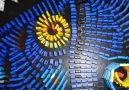 Domino Taşları ile Muhteşem Tablo