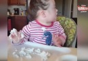 Down sendromlu minik bebeğin krem şanti ile ilk buluşması