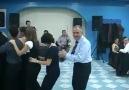 Düğünde kopartan dans dedeye dikkat :)