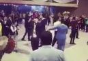 Düğünün hası böyle olur! Fenerbahçe halayı...