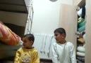 Erzurum Sözleri - Küçük dadaş kardeşine namaz öğretiyor