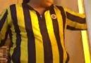 Fanatik bir Fenerbahçe taraftarı.