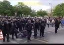 Fransa Sokakları Savaş Alanı. Gözünüz Polis Şiddeti Görsün..