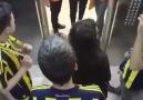 Galatasaray ve Fenerbahçe taraftarı aynı asansörü kullanırsa ne olur