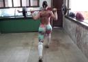 GRACYANNE BARBOSA TRAINS LEGS