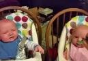 İkiz bebeklere yemek yetiştirmek )