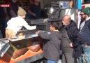 İstanbul Taksim Meydanında Afrin şehitleri için lokma dağıtıldı.