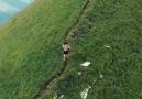 İsviçre tepelerinde doğa yürüyüşü ( lucaoliveri90 Instagram)