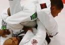 Jiu-Jitsu - Estrangulamento de gola variaço partindo da...
