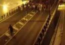 Kadiköy Taksim'e yürüyor..