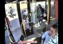 Kahraman şoför fenalaşan yolcu için otobüsü seferber etti