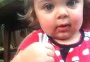 Kameraya Oynayan Sevimli Bebek