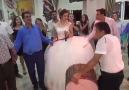 Kendi Düğününde Şarkı Söyleyen Gelin..Helal Gelin Helal (y)