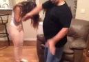 Kızın erkek arkadaşından ayrılmasına babanın tepkisi :))