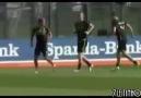 Lewandowskiden Marco Reusa antrenmanda eşek şakası
