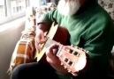 80lik Pamuk Dede sosyal medyayı salladı Pamuk Dededen gitar şov #