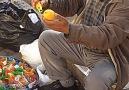 Limon Sıkacağı Tanıtırken İnsanı Hipnotize Eden Satıcı