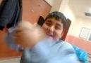 Okulda çıldıran çocuk xD