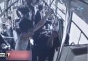 Otobüs şoförleri trafikte birbirine girdi