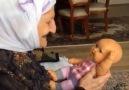Oyuncak bebeği gerçek sanan nene sen ne güzel bir insansın