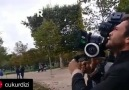 Paris Çekimlerinde Aras Bulut İynemli Kamerayı Eline Aldı...
