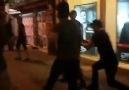 Polis ikna edemediği eylemciye bakın nasıl müdahale ediyor !