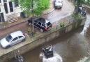 posche amsterdam kanalında hız yaparsa